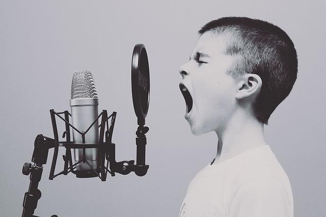 【YouTube・radiko】ラジオ感覚で聴けるおすすめ作業用BGMまとめ【通勤・通学にも】